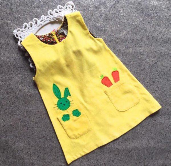 Đầm vải nhung màu vàng in hình thỏ con cho bé