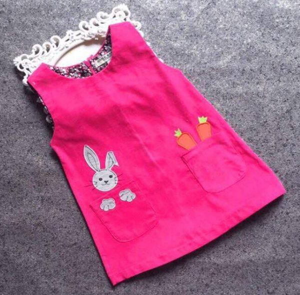 Đầm vải nhung màu đỏ in hình thỏ con cho bé